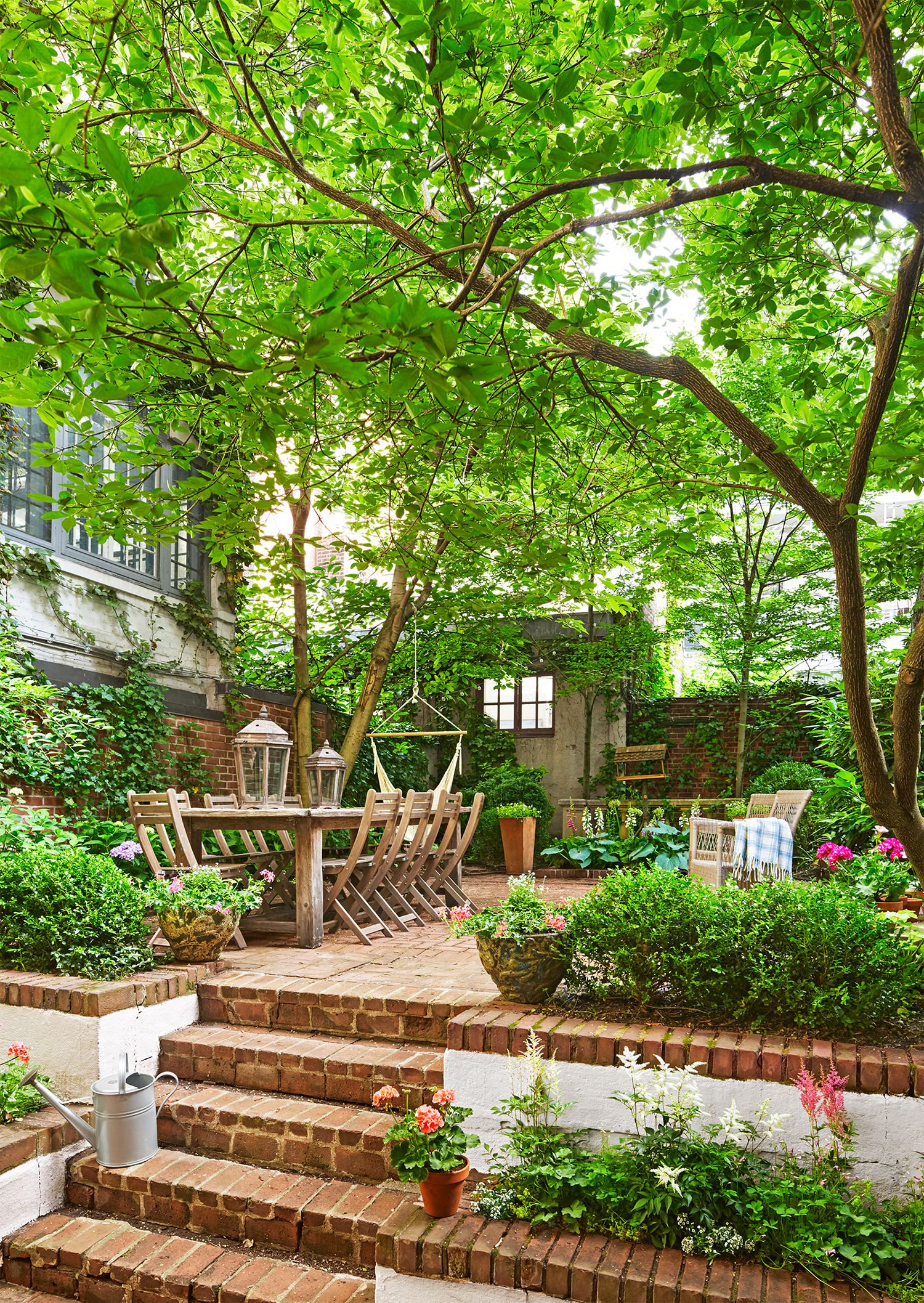 20 Small Backyards Ideas And Decorating Tips Simple Landscaping in Small Backyard Ideas