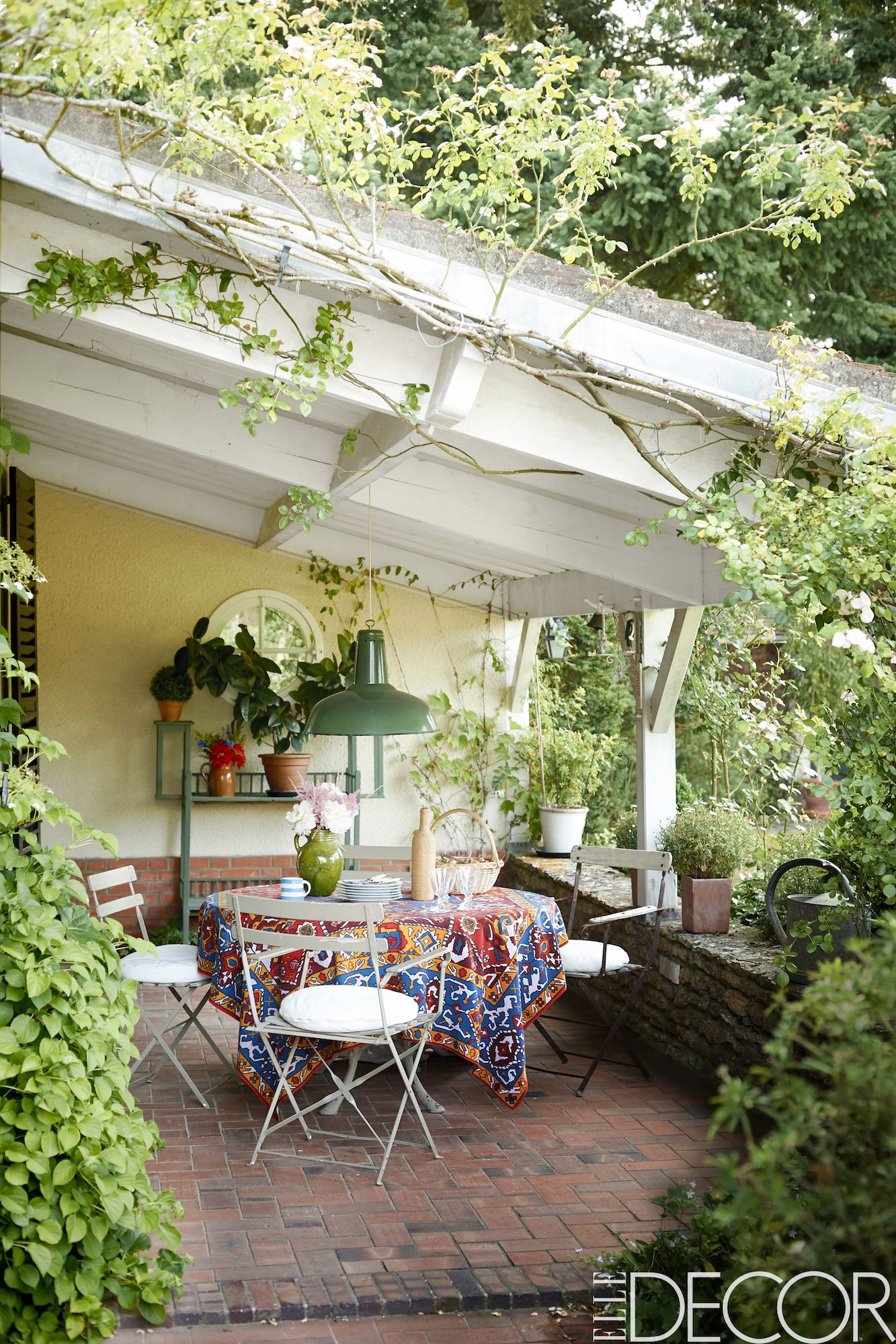 Inspiring Small Patio Decor Ideas 40 Gorgeous Small Patios in Courtyard Backyard Ideas