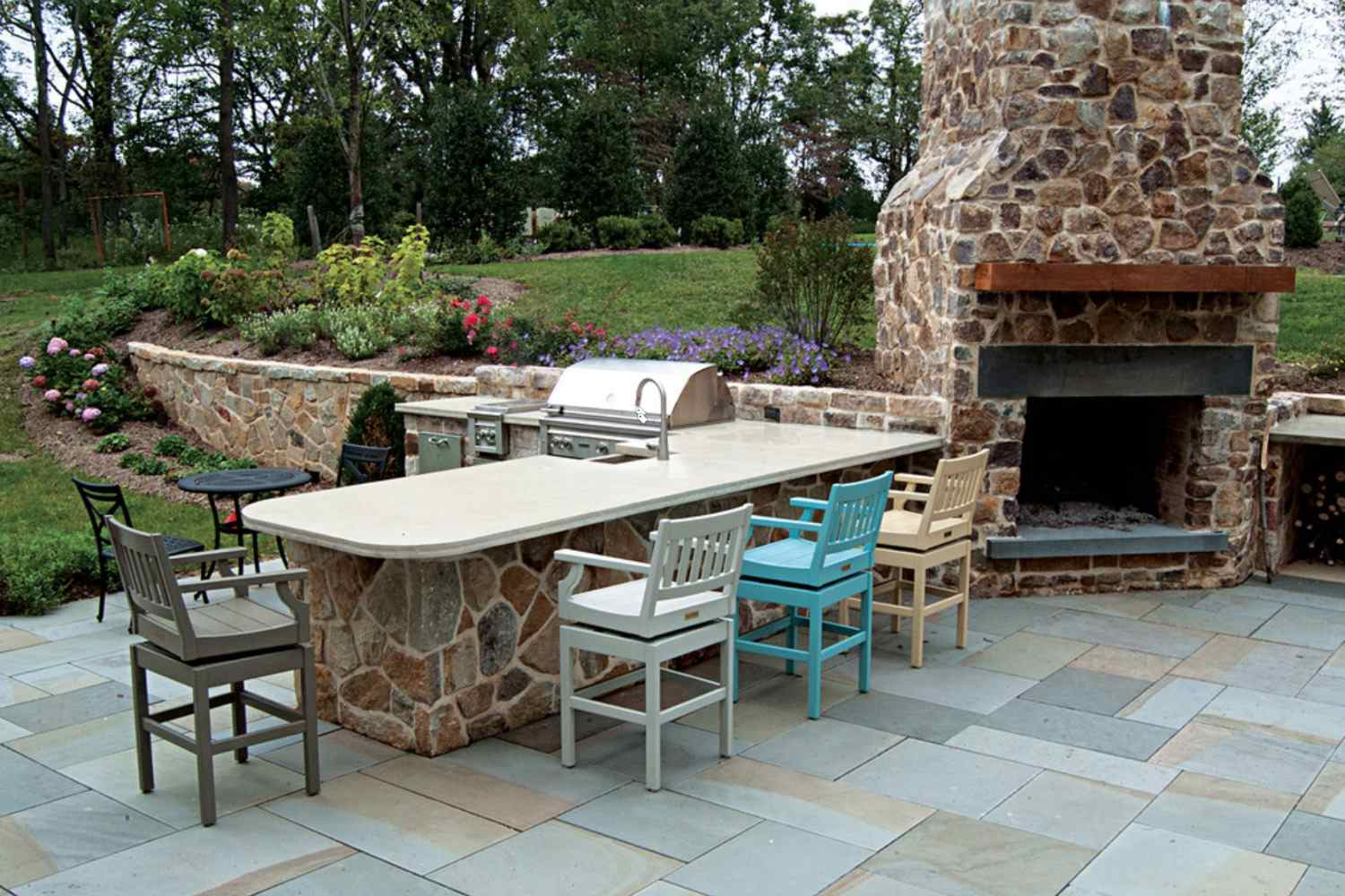 25 Great Patio Paver Design Ideas throughout Paved Backyard Ideas