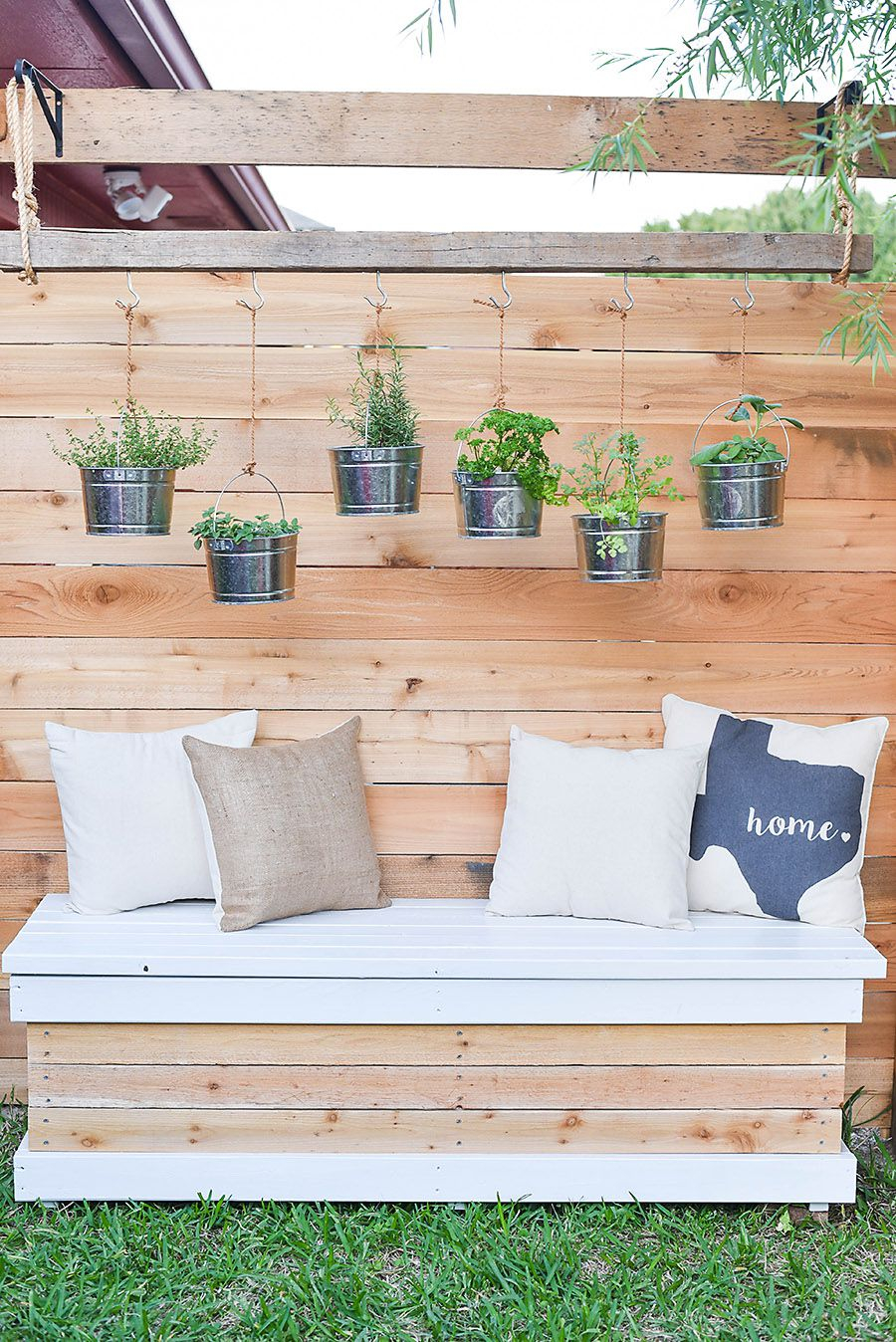 29 Small Backyard Ideas Beautiful Landscaping Designs For Tiny Yards in Small City Backyard Ideas