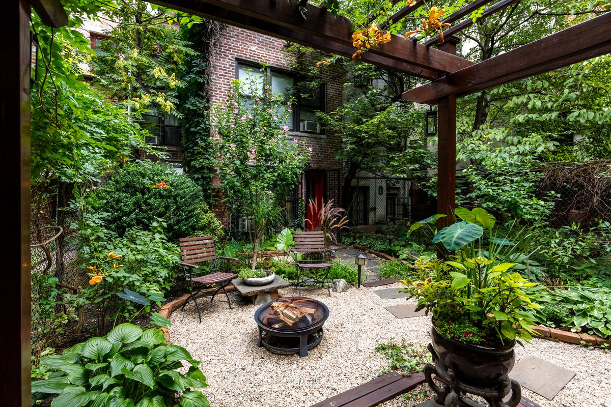 7 Bucolic Nyc Outdoor Spaces To Inspire You This Spring Curbed Ny for Nyc Backyard Ideas