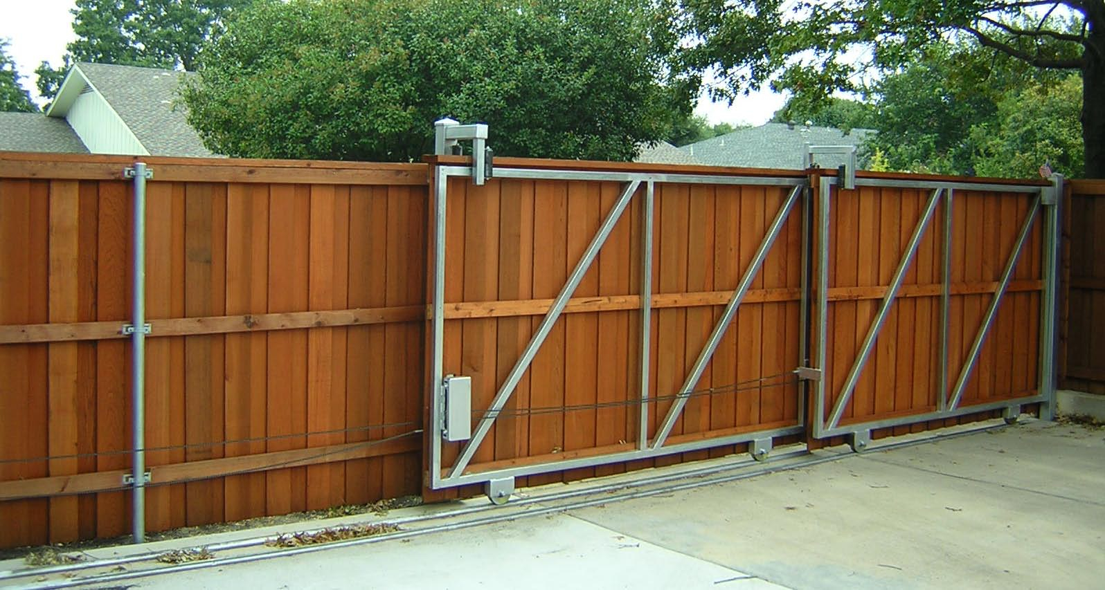 Wood Fence Gate Durability Is Very Important Ducksdailyblog Fence within 13 Clever Ways How to Improve Gate For Backyard Fence
