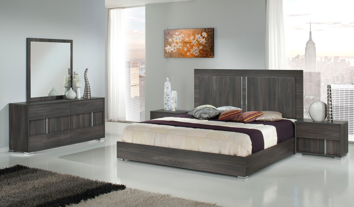 Moderst Luca Italian Modern Grey Mirror Bedroom Mirrors Bedroom throughout 13 Clever Tricks of How to Craft Modern Bedroom Mirrors