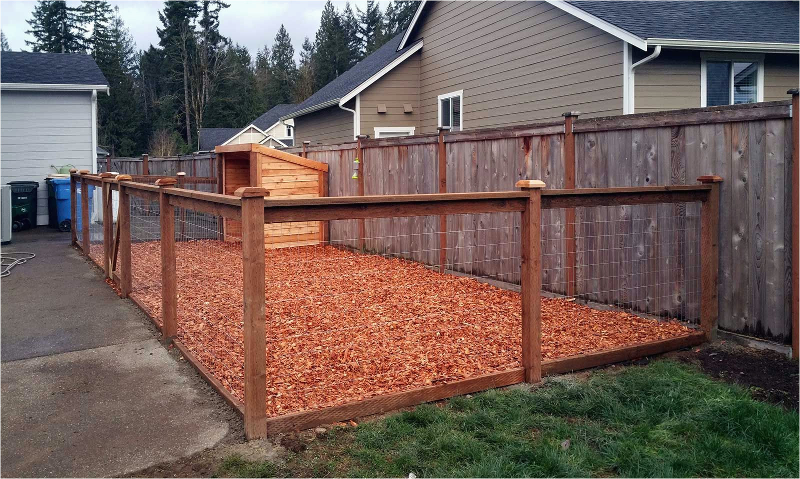 Diy Dog House With Fence 911stories for 11 Awesome Ways How to Build Backyard Fences For Dogs