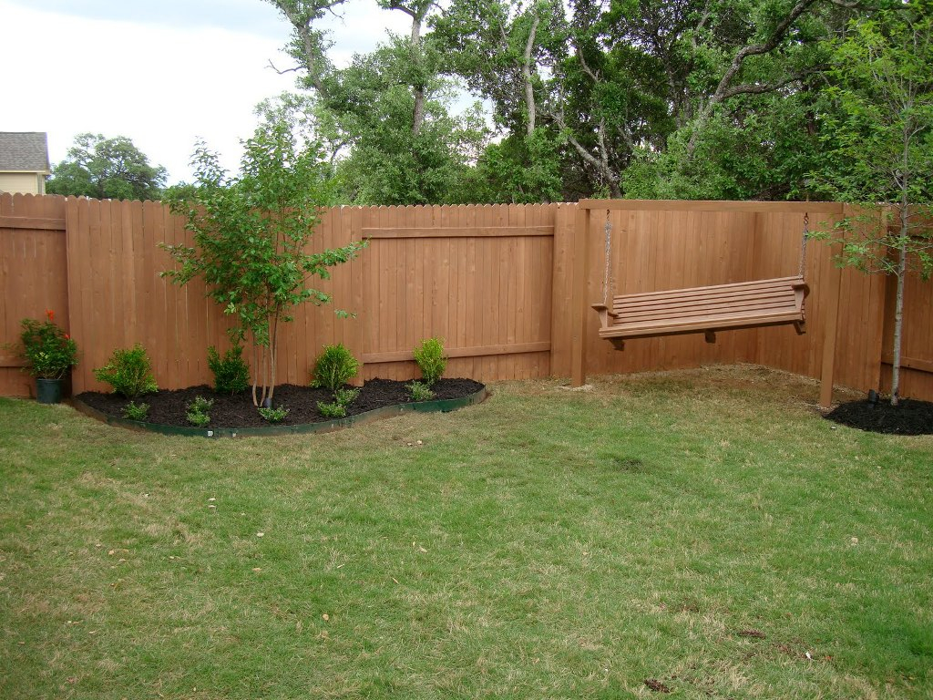 Simple Fencing Ideas For Your Backyard Garden Suites inside 14 Clever Initiatives of How to Build Fence For Backyard