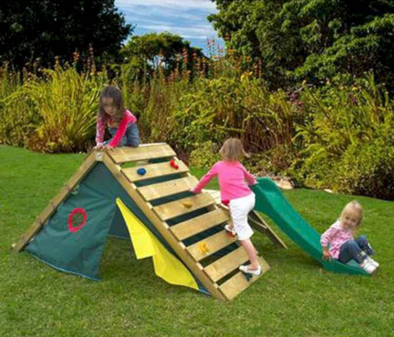 Some Nice Diy Kids Playground Ideas For Your Backyard Futurist regarding 15 Some of the Coolest Initiatives of How to Upgrade Creative Backyard Playground Ideas