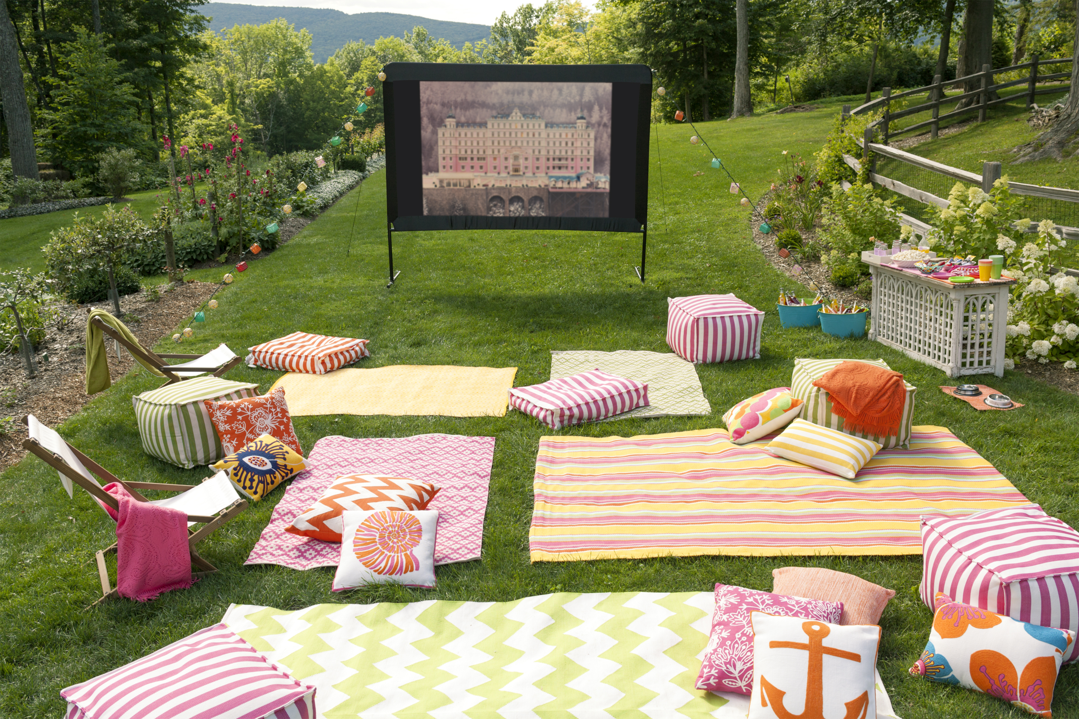 10 Tips For Hosting An Outdoor Movie Night Fresh American throughout Backyard Movie Ideas