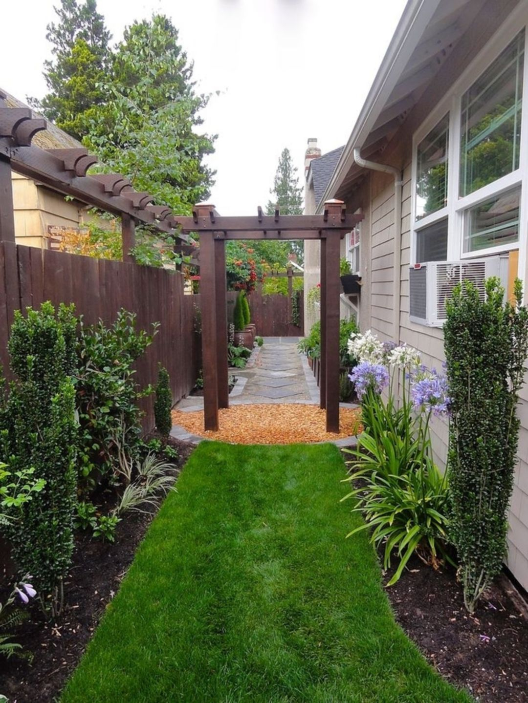 25 Beautiful Narrow Side Yard Design For Simple Side Yard pertaining to Simple Landscaping Ideas For Backyard