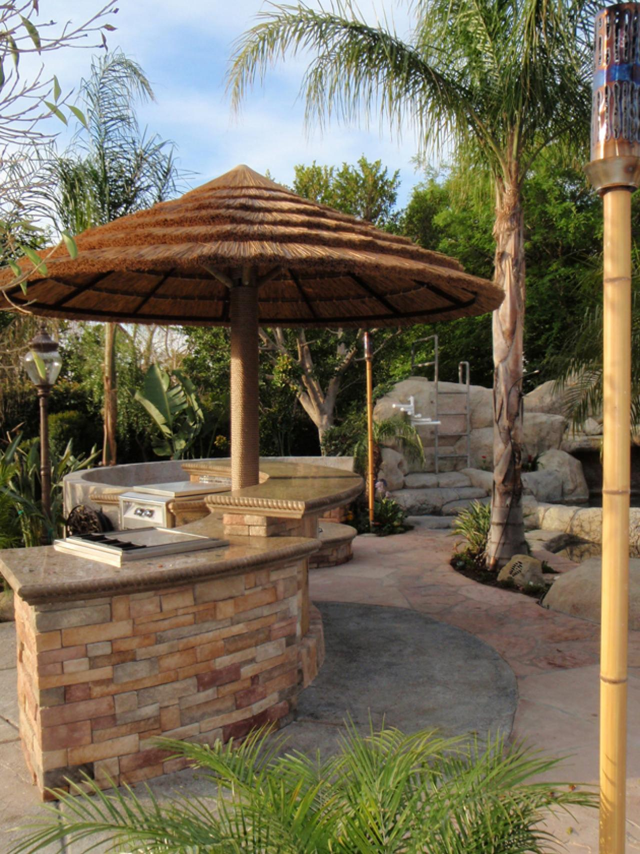 Backyard Tiki Hut Ideas Homideal regarding 11 Some of the Coolest Ways How to Build Backyard Tiki Hut Ideas