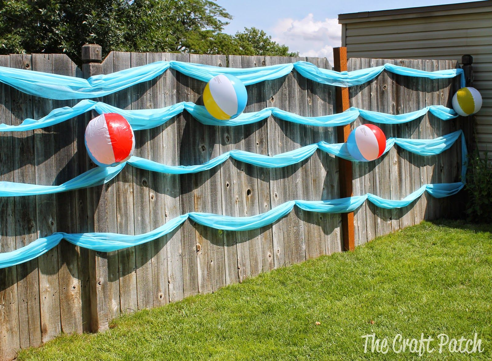 Cute And Easy Decoration For A Beach Party Or Luau Its A Wave Wall regarding Backyard Water Party Ideas