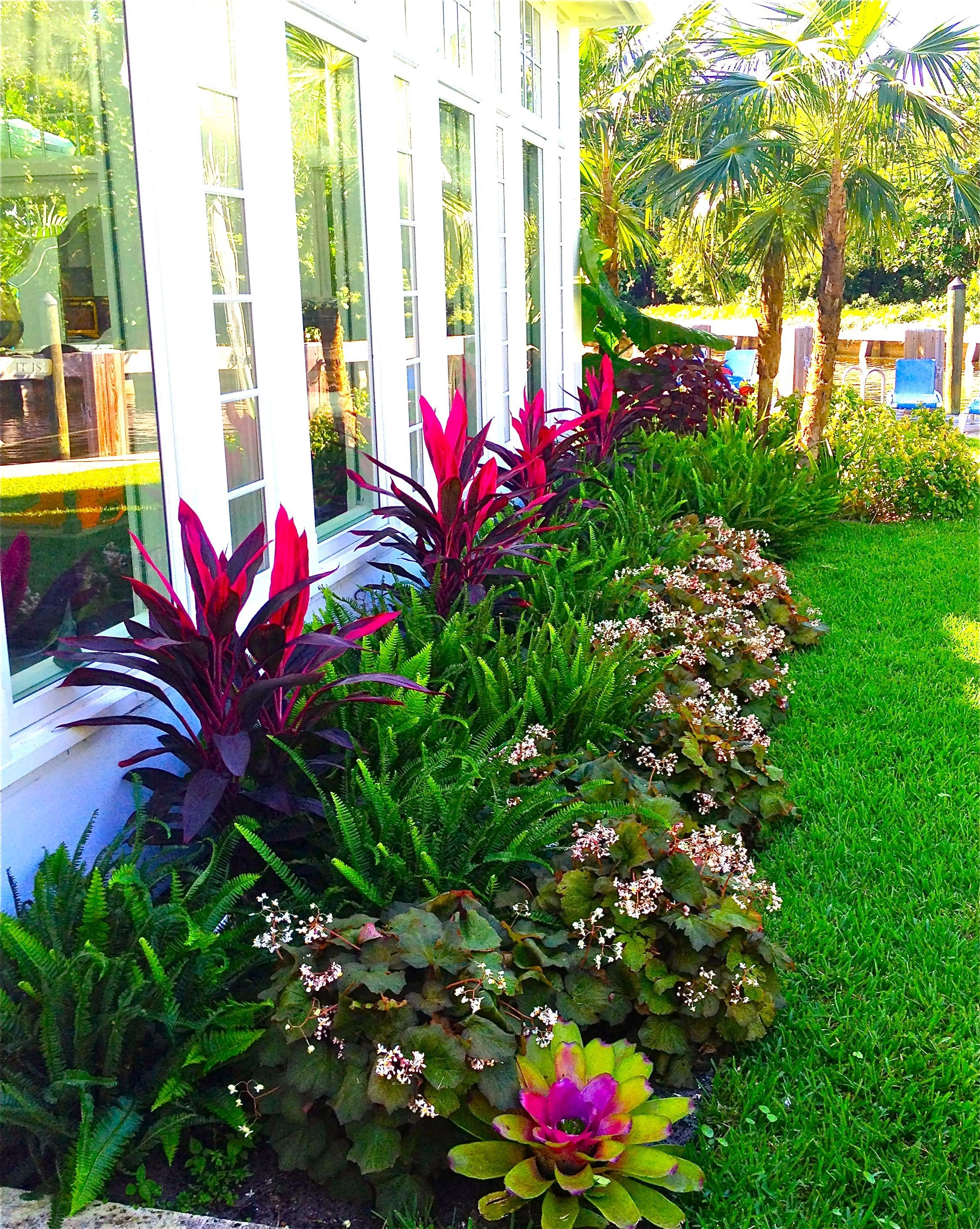 Stunning Way To Add Tropical Colors To Your Outdoor intended for 12 Some of the Coolest Designs of How to Craft Plants For Backyard Landscaping