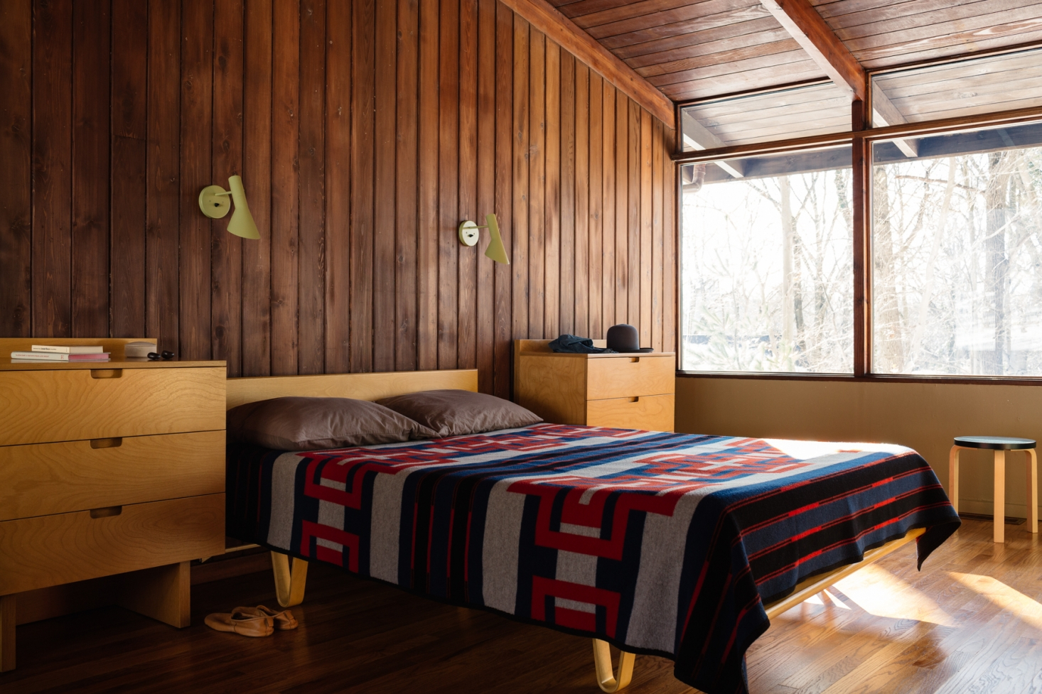 Steal This Look An Authentic Midcentury Modern Bedroom regarding 15 Awesome Ideas How to Make Mid Century Modern Bedroom