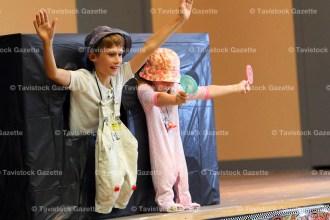 Jaydan and Arielle McGregor mime to Lollipop.
