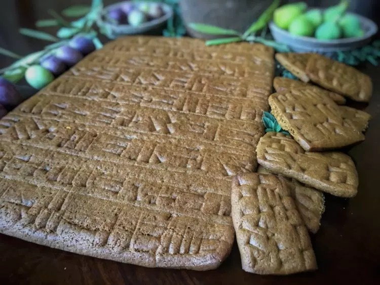 Cuneiform Gingerbread Tablets from Tavola Mediterranea