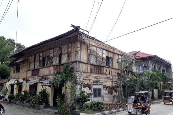 PHOTO: One of the Spanish colonial houses damaged by Typhoon Ompong. (photo by Jasper Allibang Espejo)
