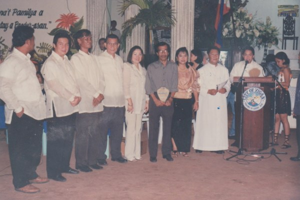PHOTO: Salvador Aleson Espejo, Tawid News Magazine founder, was awarded Journalist of the Year by the City Government of Vigan in January 25, 2003. (TNM file photo)