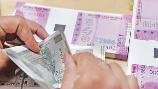 Rupee Slumps 17 Paise to 74.79 Against US Dollar in Early Trade
