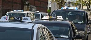 Новые фонари украсят крыши такси в Амстердаме