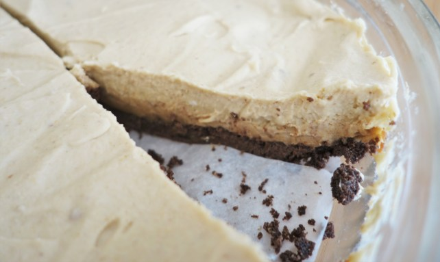 Gluten-Free, No-Bake Peanut Butter and Chocolate Pie