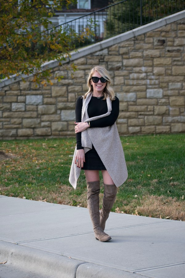 Holiday Looks, December, Holiday Wear, Holiday Love, Marc Fisher, Free People, BP., Old Navy, LOFT, Fashion Blogger, Style Blogger, Charlotte Blogger, Style Influencer, NC Blogger, tayloringstyle, Taylor Your Closet