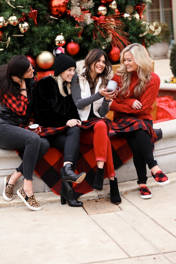 Holiday, December, Christmas, Gap, South Park, Simon Malls, Gap at South Park, Kendra Scott, Sam Edelman, DKourtneyPhoto, Deeana Kourtney Photography, Charlotte, Charlotte Blogger, Fashion Blogger, Style Influencer, 704, TayloringStyle, Taylor Your Closet