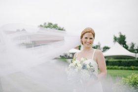 taylorlaurenbarker-juliamike-larchmontshoreclub-wedding-1