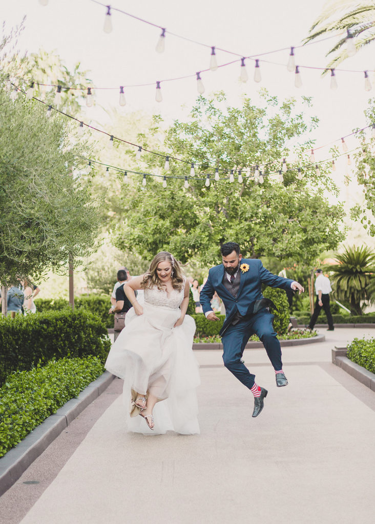funny wedding photos in Las Vegas by Taylor Made Photography