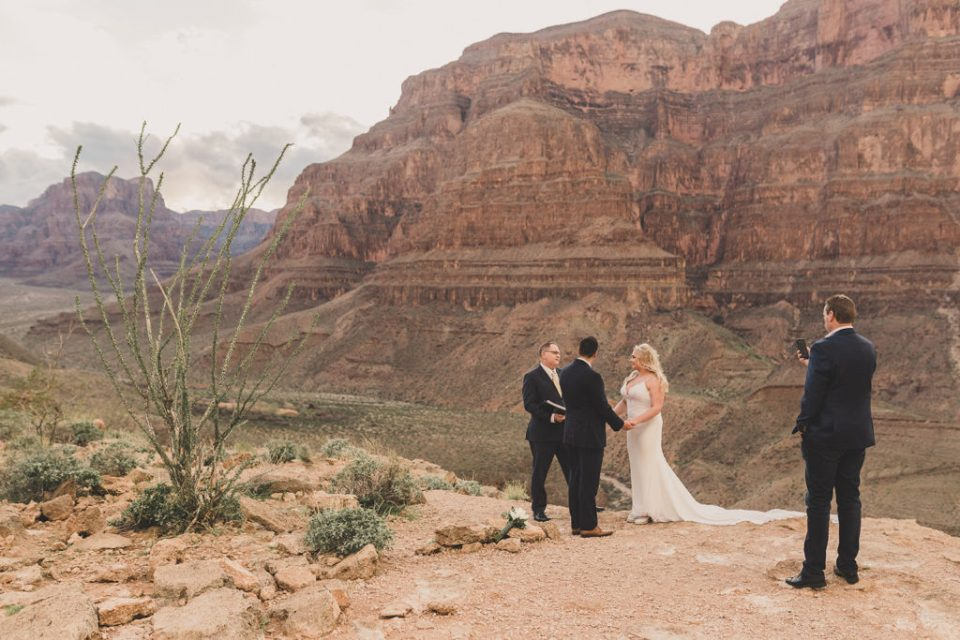 Grand Canyon elopement photographed by Taylor Made Photography