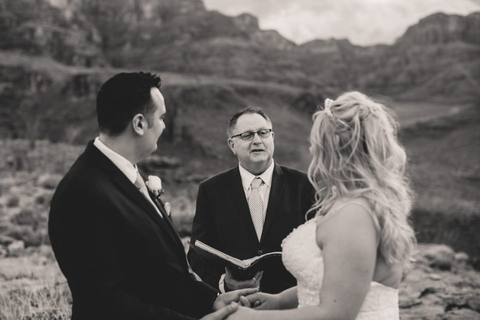 wedding ceremony in the Grand Canyon with Taylor Made Photography