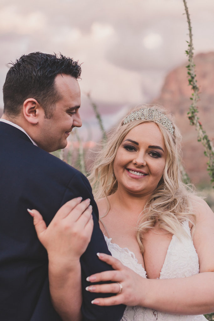 Grand Canyon elopement photographed by Las Vegas wedding photographer Taylor Made Photography