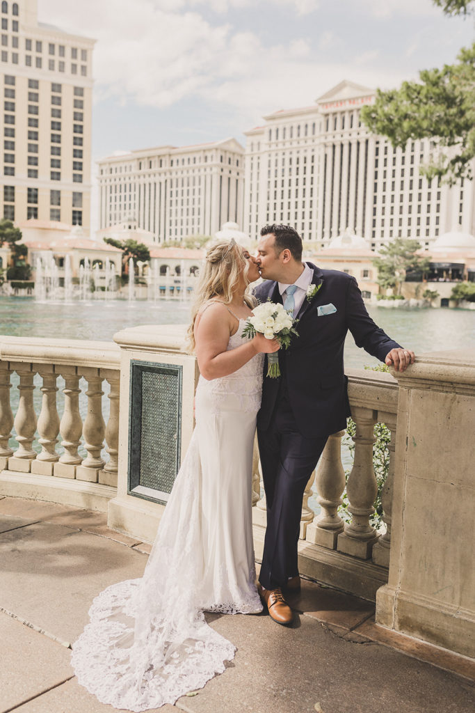 wedding portraits by Las Vegas lake by Taylor Made Photography
