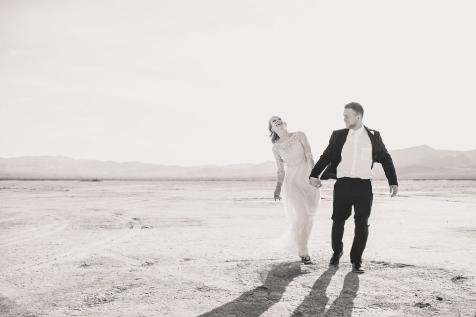 Taylor Made Photography captures joyful newlyweds during elopement in Nevada