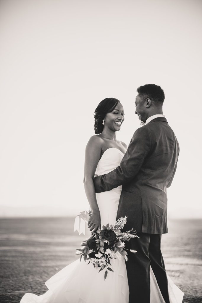 romantic Las Vegas elopement photographed by Taylor Made Photography