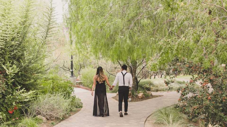 Taylor Made Photography captures botanical garden engagement session