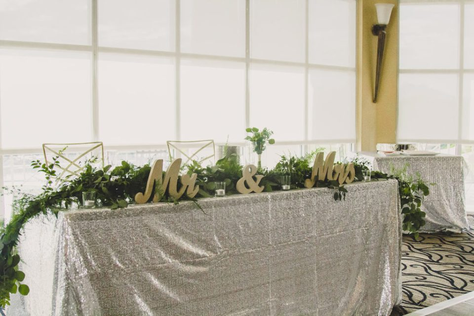 Las Vegas sweetheart table photographed by Taylor Made Photography