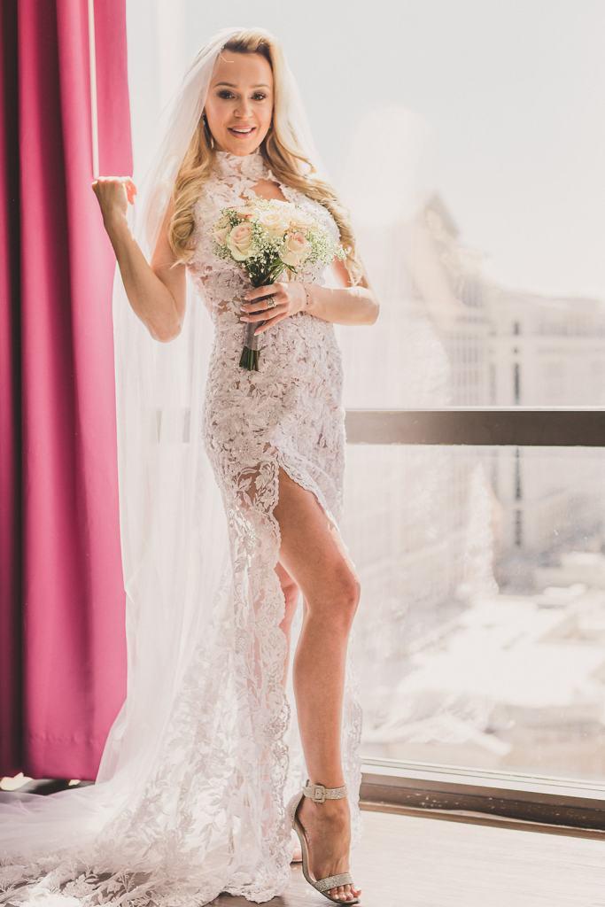 Taylor Made Photography captures Las Vegas bridal portraits