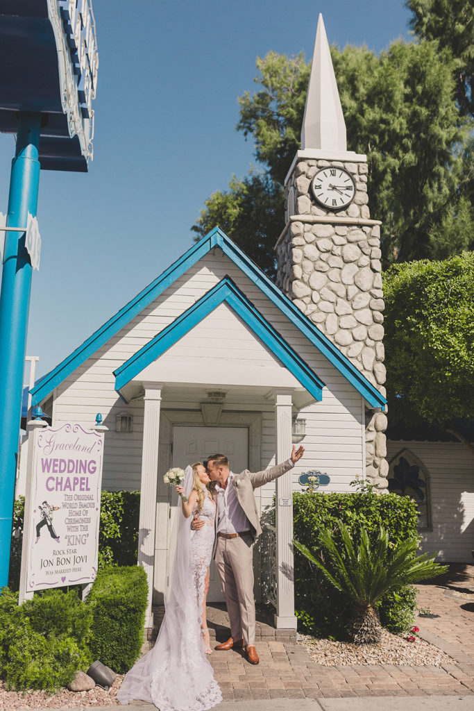 Graceland Chapel elopement photographed by Taylor Made Photography