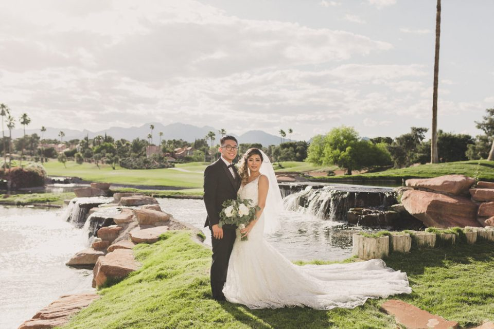 wedding photos at Canyon Gate Country Club