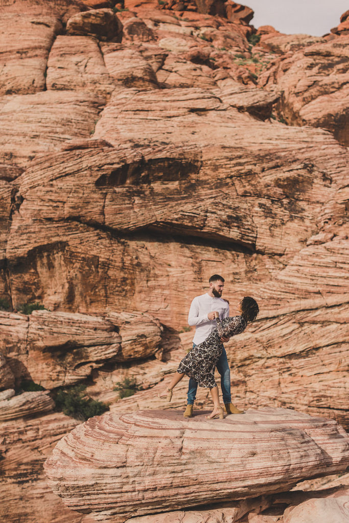 Taylor Made Photography captures Red Rock Canyon engagement session