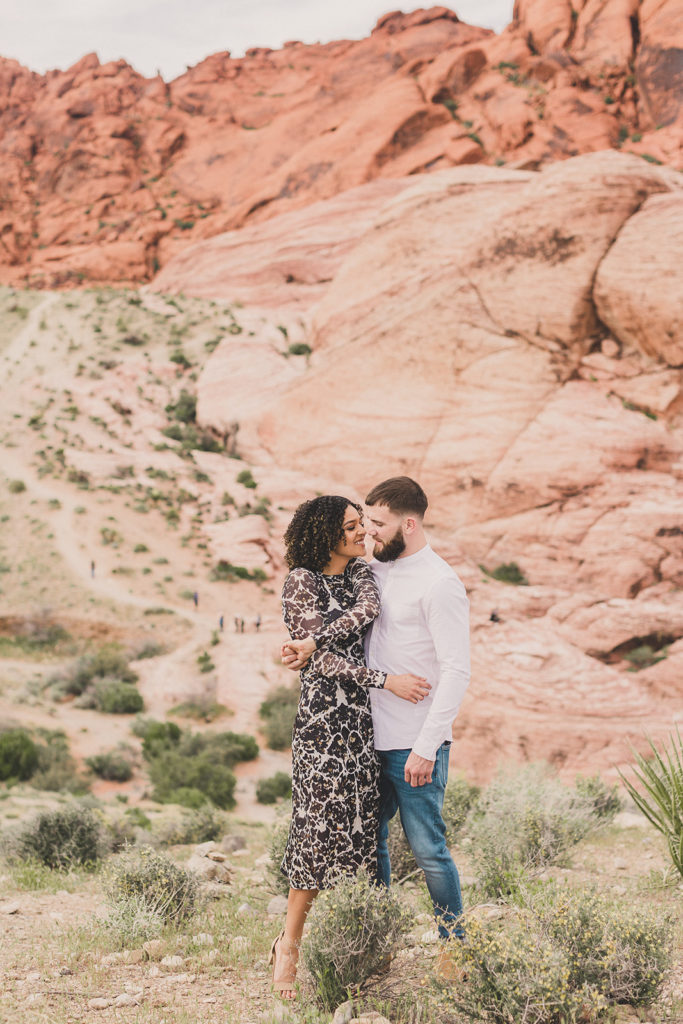 Taylor Made Photography captures young couple in love at Red Rock Canyon