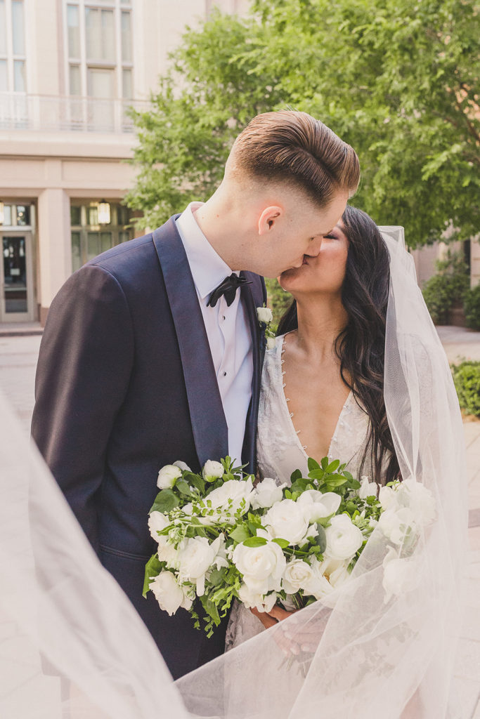 wedding portraits in Las Vegas by wedding photographer Taylor Made Photography