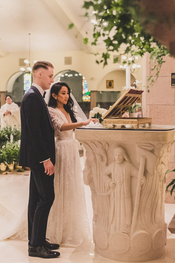 traditional wedding ceremony in Las Vegas photographed by Taylor Made Photography