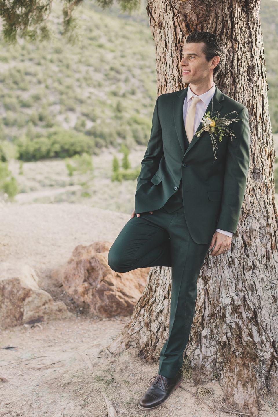 Las Vegas groom portraits in mountains photographed by Taylor Made Photography