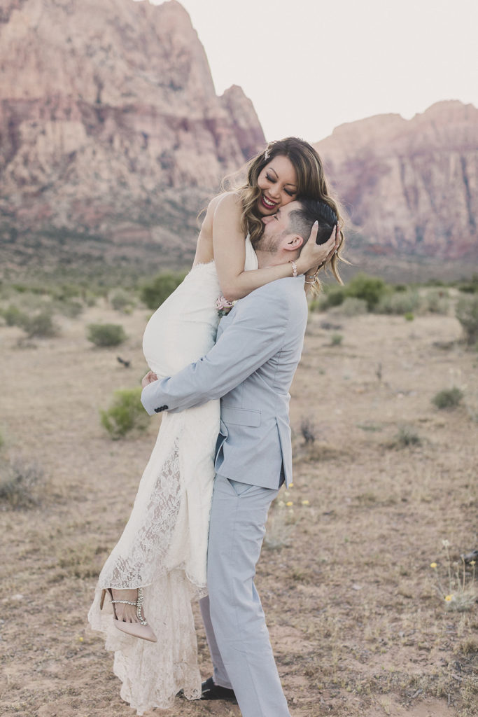 Taylor Made Photography photographs newly married couple in Las Vegas