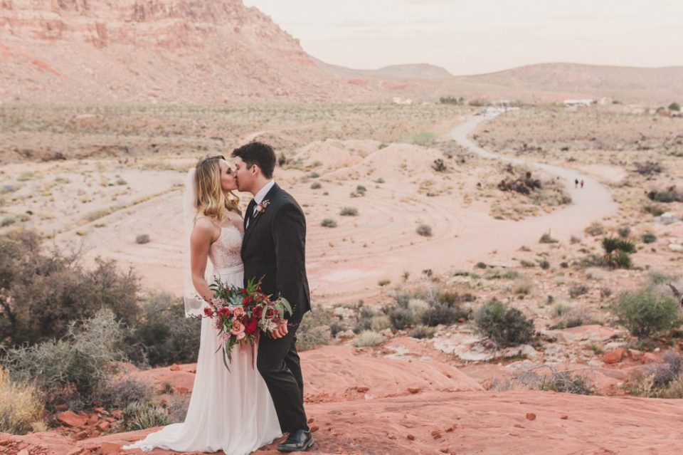 Red Rock Canyon intimate wedding day photographed by Taylor Made Photography