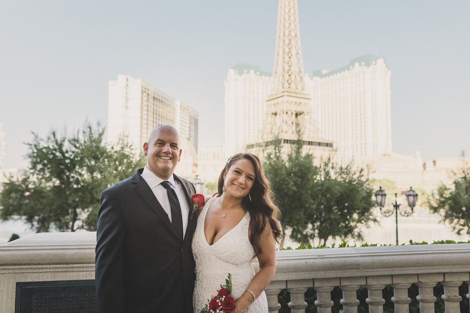 Las Vegas elopement portraits with Taylor Made Photography