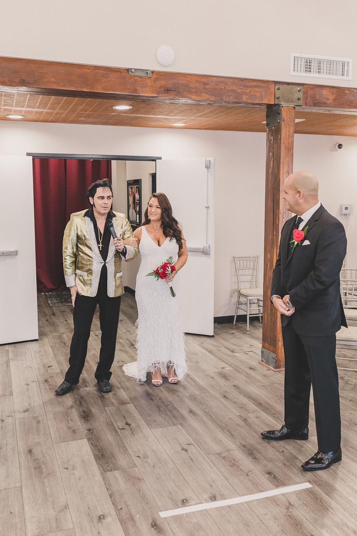 Elvis walks bride down aisle