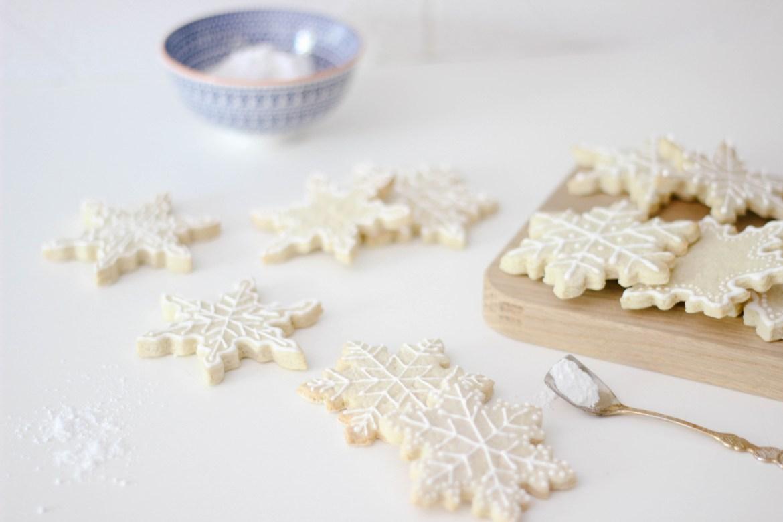 Royal Icing Christmas Cookies.Almond Sugar Cookies With Lemon Royal Icing