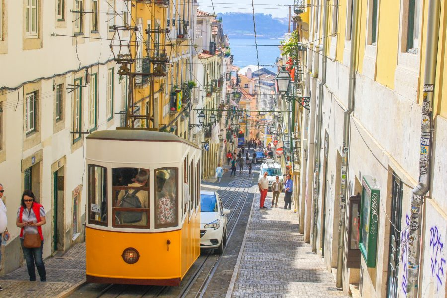 To Lisbon and Beyond! : An Introduction to Portugal