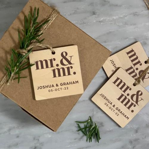 Mr & Mr Design rustic wood tag for Weddings